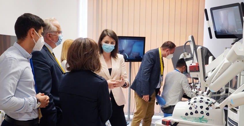 Primul curs şi workshop de chirurgie robotică în urologie din România, la Spitalul Pelican din Oradea