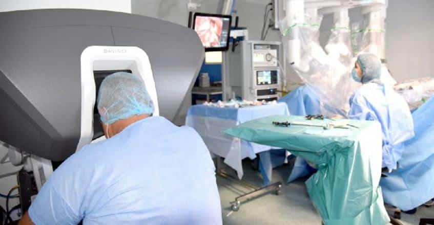Intervenții complexe pentru afecțiunile ginecologice, prin chirurgie robotică